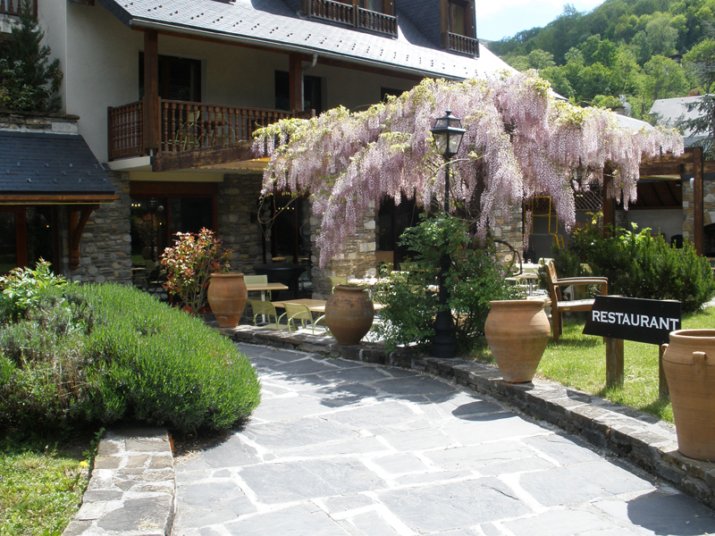 Appartements saint lary soulan les jardins de la for Appartements le jardin